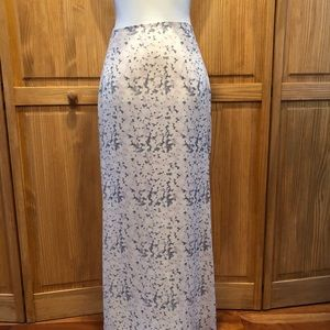 R. J. Collections floral maxi skirt sz Large